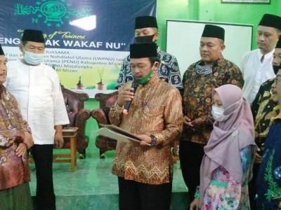 PCNU Majalengka Terima Wakaf dari Nahdliyin