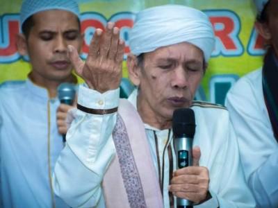 Innalillahi, Habib Husain Al-Muthohar Banjar Wafat