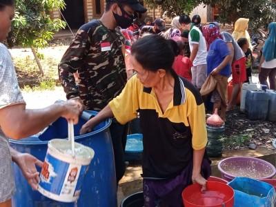 LAZISNU Pamotan Salurkan Bantuan Air Bersih untuk Warga Terdampak Kekeringan