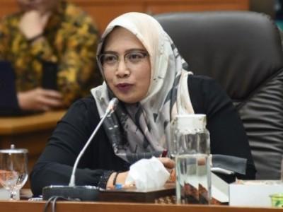 Komisi IX DPR Tegaskan RUU POM untuk Lindungi Rakyat dari Zat Berbahaya