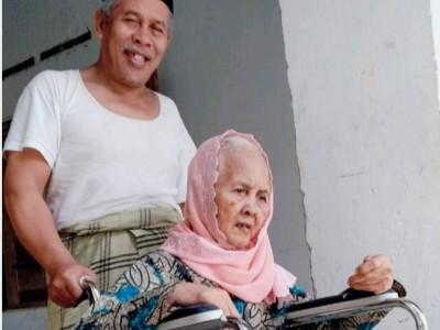 Innalillahi, Hj Zainab Ibunda Ketua PWNU Jatim Wafat