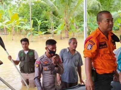 Banjir Landa Mujur Lor Cilacap, NU Evakuasi Warga dan Kirimkan Makanan