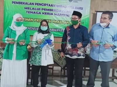 Fatayat NU Bogor Adakan Pelatihan Produksi Makanan Ringan