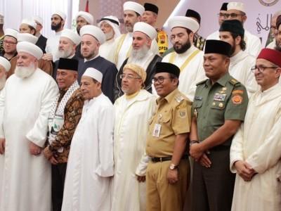 Saksikan Pengukuhan Doktor HC Habib Luthfi, Santri Pekalongan Bakal 'Serbu' Unnes