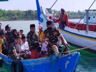Berbagai Kalangan Apresiasi Aksi Banser yang Menceburkan Diri ke Laut