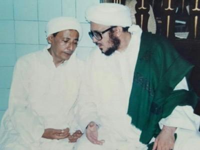 Habib Luthfi dan Pentingnya Punya Guru Berakhlak Mulia