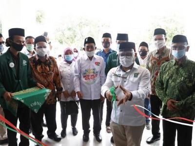 Wakil Ketua DPR RI Resmikan ITS NU Pekalongan