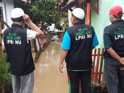 LPBINU Banten Dirikan Posko dan Bagikan Logistik untuk Warga Terdampak Banjir
