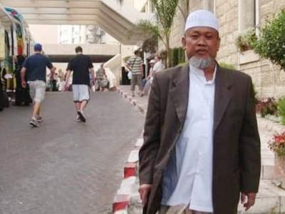 Innalillahi, Pengasuh Pesantren Futuhiyyah Mranggen Demak KH Hanif Muslih Wafat
