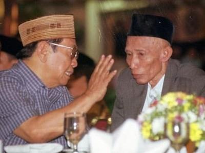 Kiai Sahal dan Gus Dur: Hubungan Erat Kajen-Tebuireng