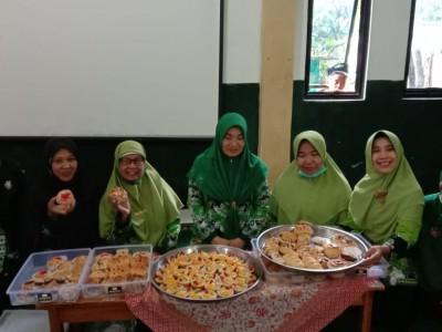 Muslimat NU Pringsewu Gelar Pelatihan Pembuatan Aneka Kue Basah