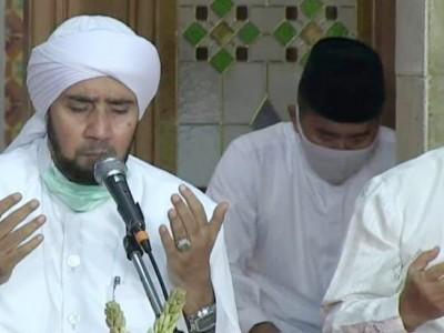 Habib Syech: Dengan Shalawat, Semoga Allah Mengangkat Wabah Covid-19