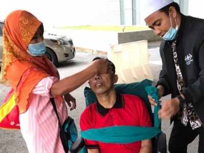 NU CARE-LAZISNU dan Sarbumusi Malaysia Bantu Pemulangan PMI Terkena Stroke