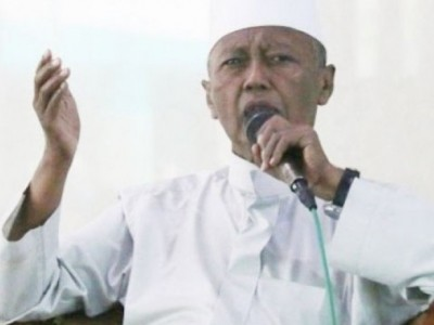 24 Jam Bersama Abah Kiai Noer Muhammad Iskandar