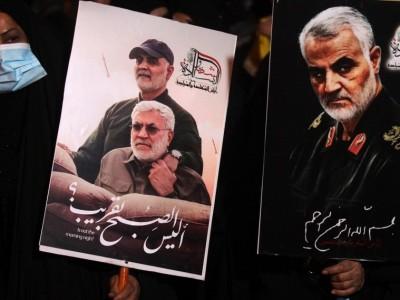 Peringati Setahun Kematian Soleimani, Ribuan Pendemo di Baghdad: 'AS Setan Besar'