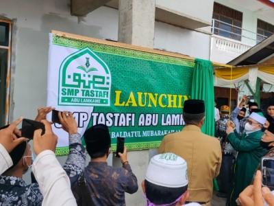 Pemimpin Dayah MUDI Mesra Luncurkan SMP Tastafi Abu Lamkawe