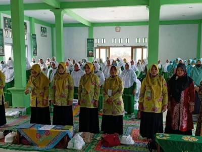 PAC Muslimat NU Ambulu Jember Gelar Pelatihan Keprotokolan