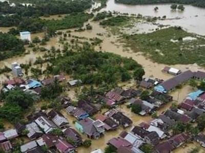 Relawan NU Terobos Berkilo Meter Salurkan Bantuan ke Wilayah Banjir Banjar
