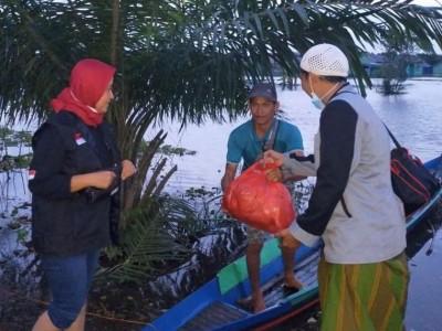 LPBINU Kalsel Salurkan Bantuan ke 5 Kabupaten Terdampak Banjir