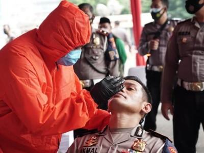 Pagar Nusa Swab Antigen Ratusan Polisi Jakarta