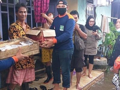 NU Kota Pekalongan Salurkan Ratusan Paket Sembako ke Warga Terdampak Banjir