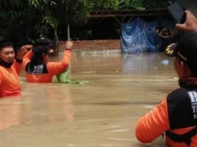Tanggap Darurat Bencana, Banser Brebes Terjunkan Personel di Titik Bencana