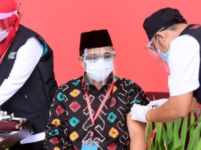 BPOM Izinkan Vaksin untuk Lansia, PBNU: Pengasuh Pesantren Harus Diprioritaskan