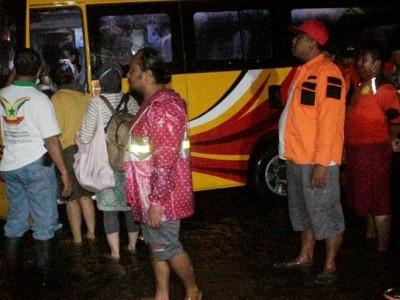 Habib Luthfi Buka Dapur Umum untuk Warga Pekalongan Terdampak Banjir