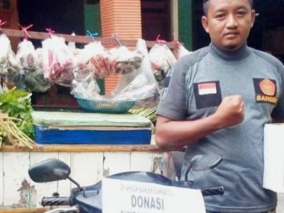 Banser di Jombang Jual Sayur Keliling sembari Galang Dana untuk Korban Banjir