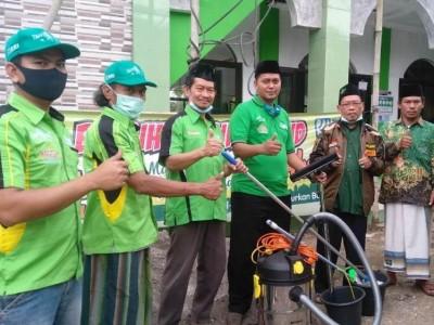 Bersih-bersih Masjid di Bogor Perkuat Silaturahim Pengurus LTMNU dengan Takmir