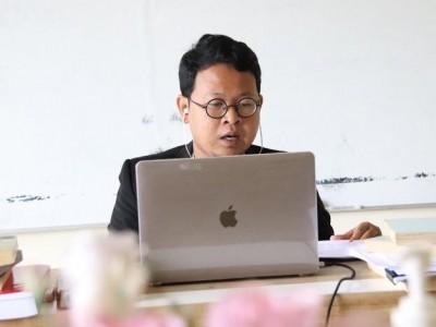 Dosen Unusia Fariz Alnizar Berhasil Pertahankan Disertasi Doktornya di UGM