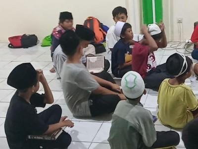 Melihat Pesantren Weekend di Al-Huda Parung Bogor
