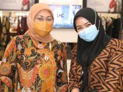 Hadiri Festival Busana Muslim, Menaker Terpincut Karya Siswa BBPLK Semarang