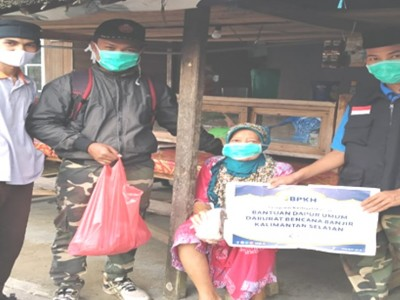 Gandeng LPBI NU, BPKH Salurkan Bantuan untuk Korban Banjir Hulu Sungai Tengah