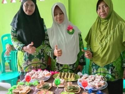 Muslimat NU Adiluwih Sukseskan '1.000 Wirausahawati Emak-Emak'