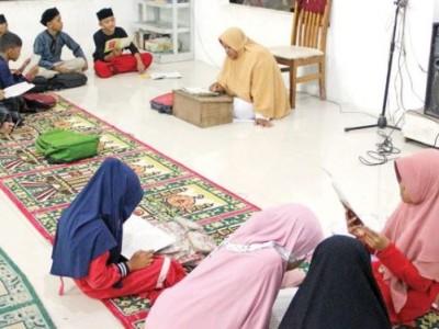 Umi Hanisah Jadikan Pesantren sebagai Rumah Aman Penyintas Kekerasan