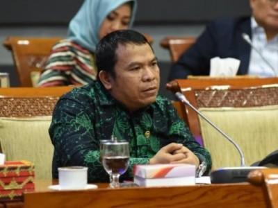 Wakil Ketua Komisi II DPR Pertanyakan Perbaikan Data Penerima Bansos