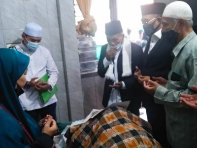KH Kamaluddin Machsan Penegak Disiplin Para Santri