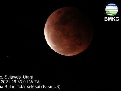 Fase Puncak Gerhana Bulan Total di Indonesia Bagian Barat, Tengah, dan Timur