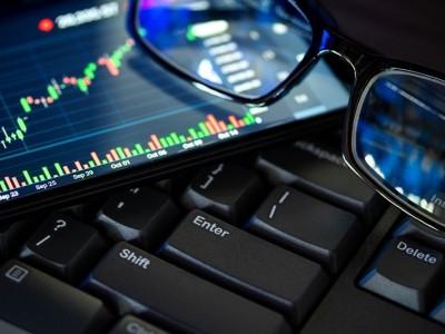 Robot Trading atau Expert Advisor: Analogi dan Status Hukumnya