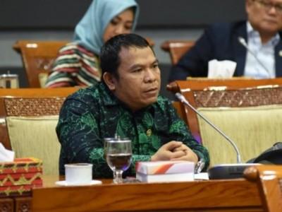 Cegah PHK Buruh, Komisi II DPR Minta Pemerintah Perjelas Subsidi ke Sektor Industri