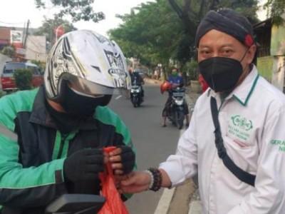Warga Terdampak Covid di Kota Tangerang Terima Daging Kurban NU Care-LAZISNU