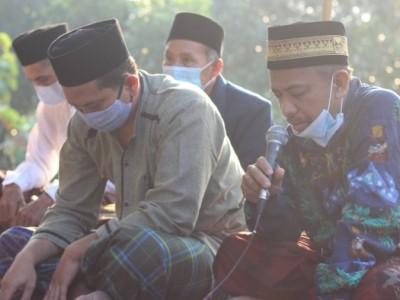 Ziarah ke Makam Anggota Pasukan Pangeran Diponegoro di Desa Criwik Rembang
