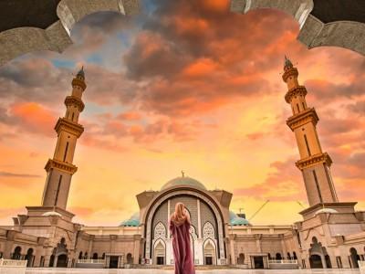 Kemenag Buka Seleksi Imam Masjid untuk UEA, Berikut Syaratnya
