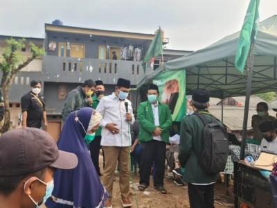 Bersama NU DKI, NU Care Jaksel Salurkan Uang Tunai untuk Korban Kebakaran Mampang