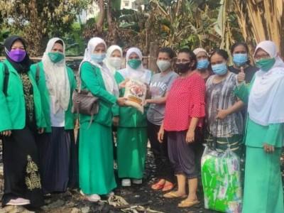 Fatayat NU Jaksel Peduli Korban Kebakaran Cipete Utara