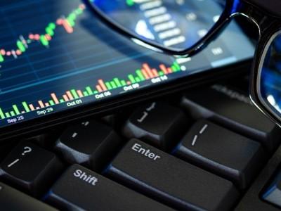 Hukum Menggunakan Robot Autopilot dalam Trading Pasar Berjangka