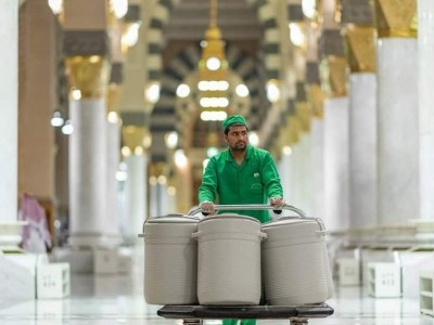 Kembalinya Drum Air Zamzam ke Dalam Masjid Nabawi
