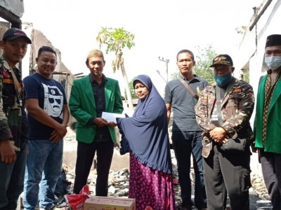 Ansor Pekanbaru Bantu Korban Kebakaran di Sungai Sibam Riau